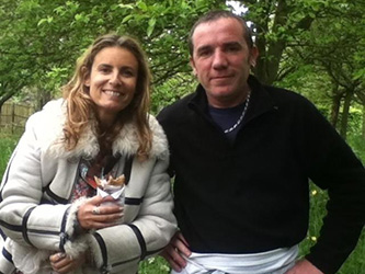 Liza Azuelos avec Marc crêpier ambulant